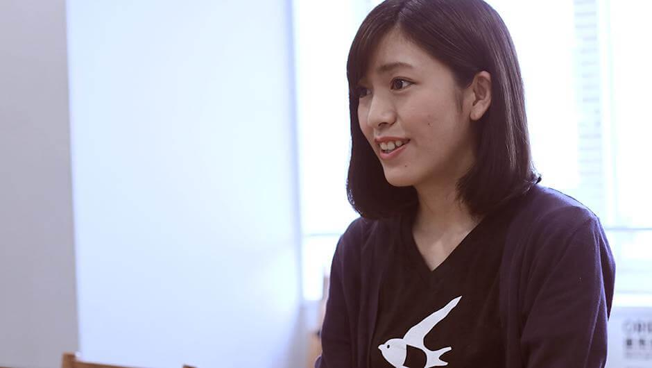 freeeマーケターの砂川恵里佳さんの横顔
