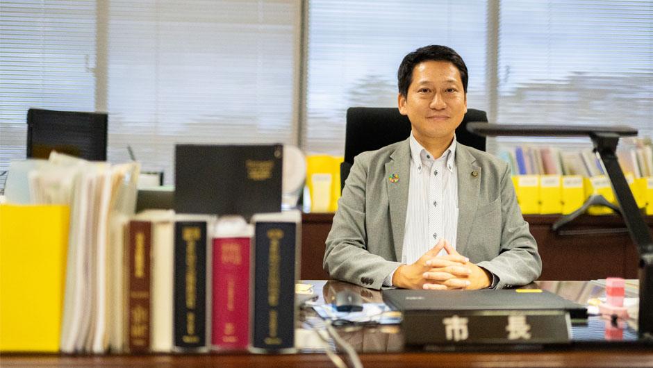 生駒市長・小紫雅史さんの正面顔