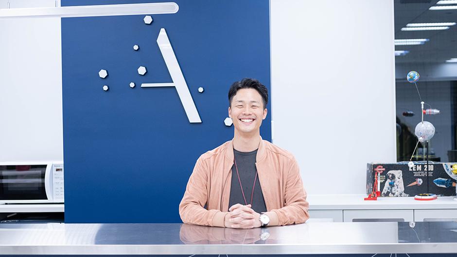 株式会社ALE藤田智明さんの笑顔