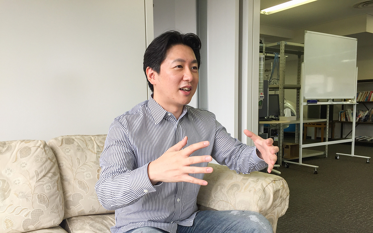 A.L.I.Technologiesの代表取締役社長 片野大輔さんの話す姿