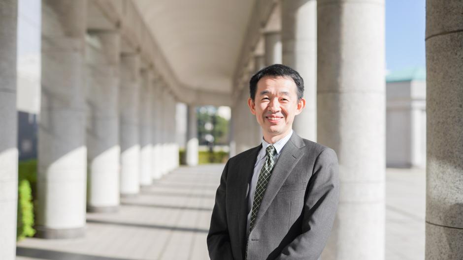 芹澤清の防衛省 大臣官房長である芹澤氏の笑顔